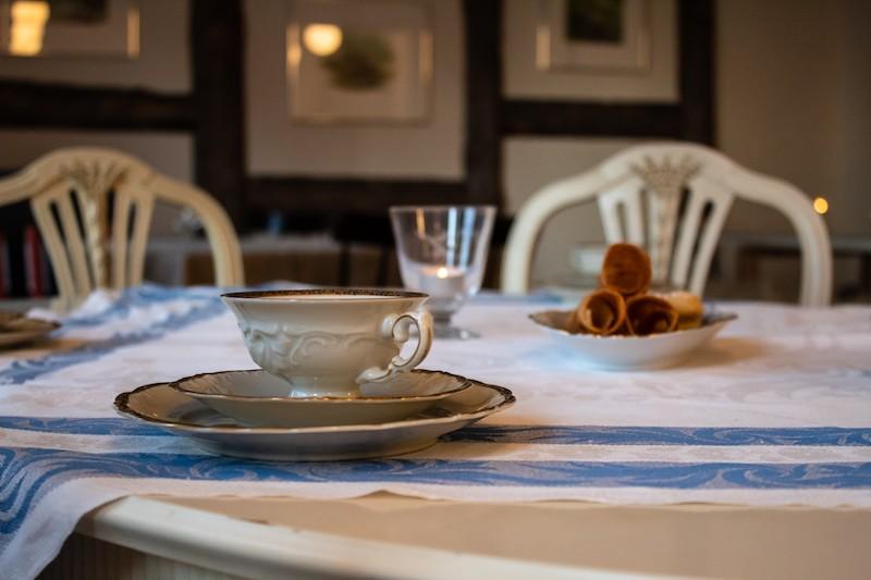 Vandra-i-Sarek-Frukost-vid-STF-Åsgård